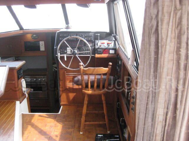 катер BAYLINER 3288 1993 года